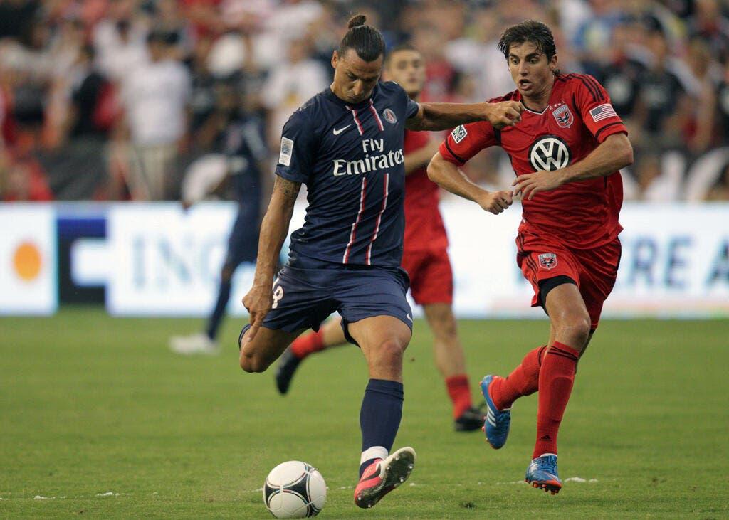 Foot psg ibrahimovic le joueur presque parfait qui manquait au psg pour sirigu foot 01 - Image de joueur de foot a imprimer ...