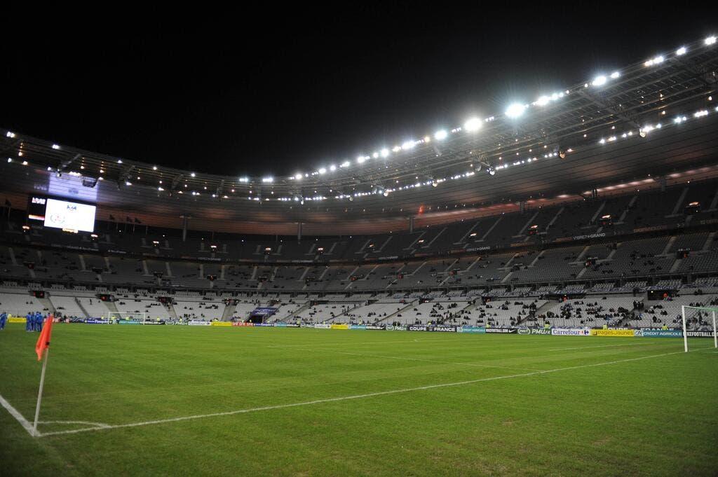 coupe de france de football la coupe de france se fait plaquer par le rugby au stade de france. Black Bedroom Furniture Sets. Home Design Ideas