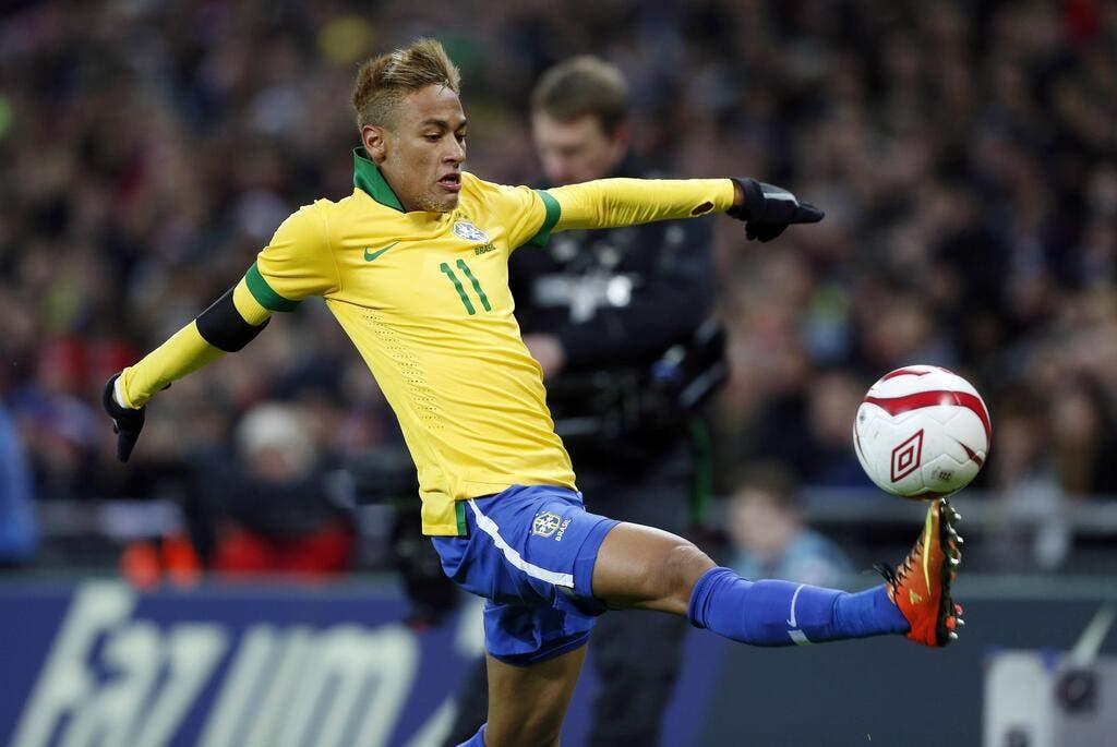 Coupe de cheveux neymar 2013 anna overlock blog for Neymar 2014 coupe de cheveux