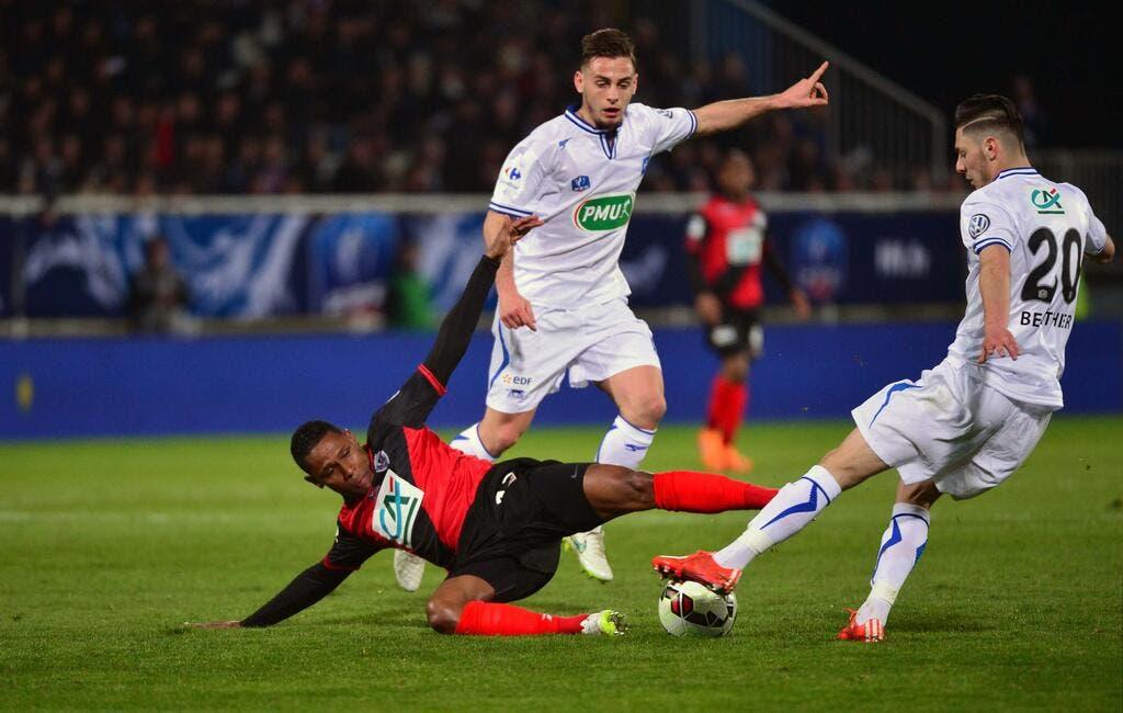 Coupe de france de football auxerre sort guingamp et fonce en finale coupe de la ligue - Guingamp coupe de france ...
