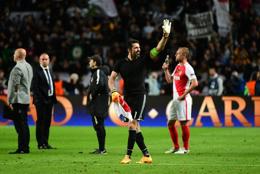 Football ligue des champions ldc buffon refuse de crier victoire avant le match retour foot 01 - Match coupe d europe foot ...