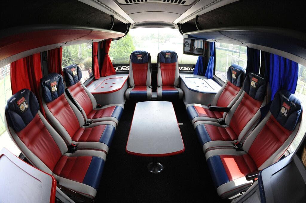 foot ol ol d gradations sur le bus de lyon dijon olympique lyonnais foot 01. Black Bedroom Furniture Sets. Home Design Ideas