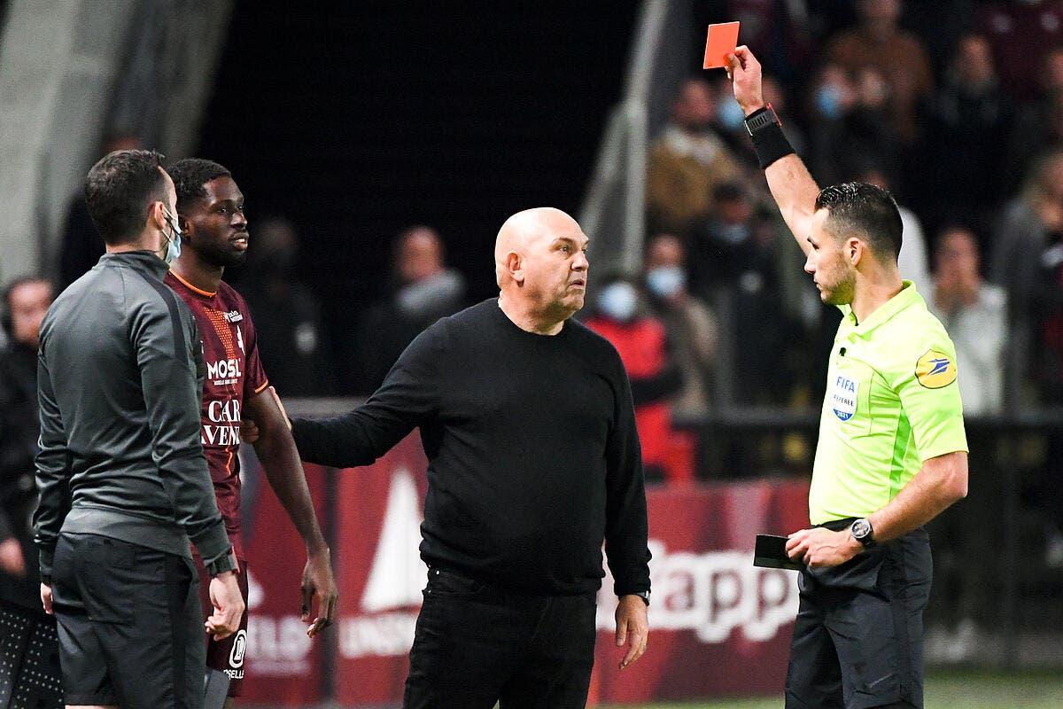 Le PSG demande 15 matchs de suspension pour Antonetti