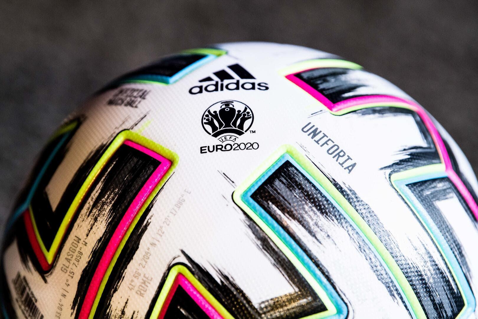 Football Coupe d'Europe - Coronavirus : Les Coupes d'Europe suspendues, l'Euro 2020 annulé ...