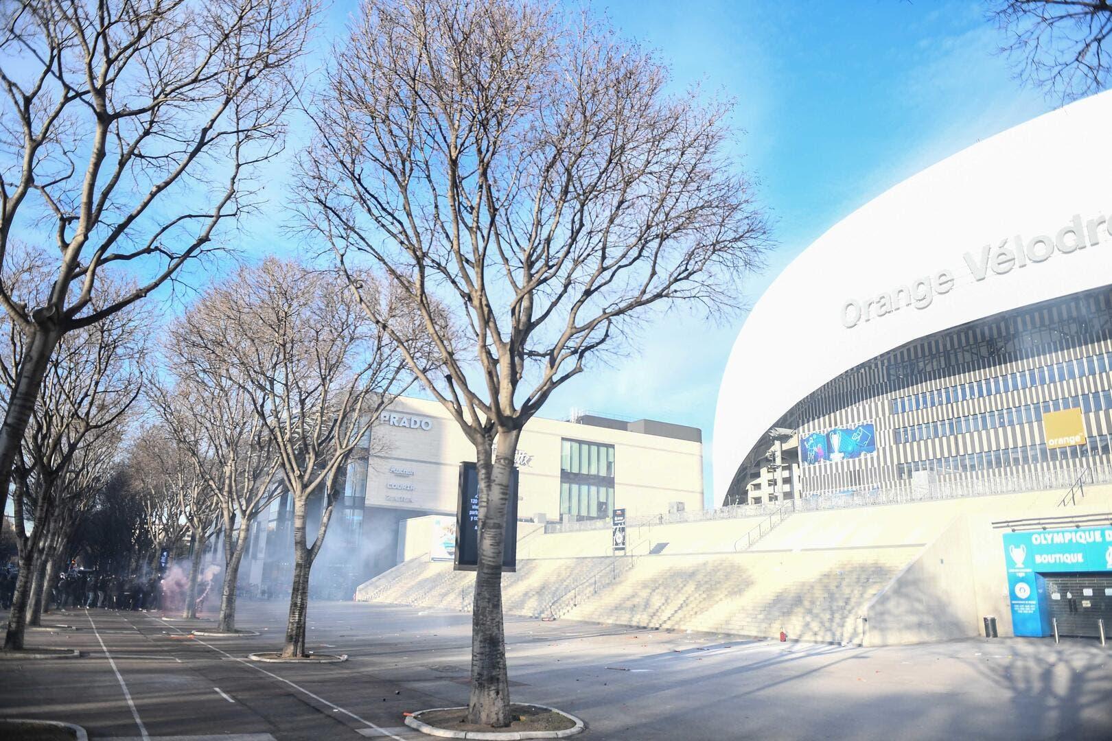OM : Pierre Ménès annonce zéro acheteur pour le Vélodrome - Foot01.com