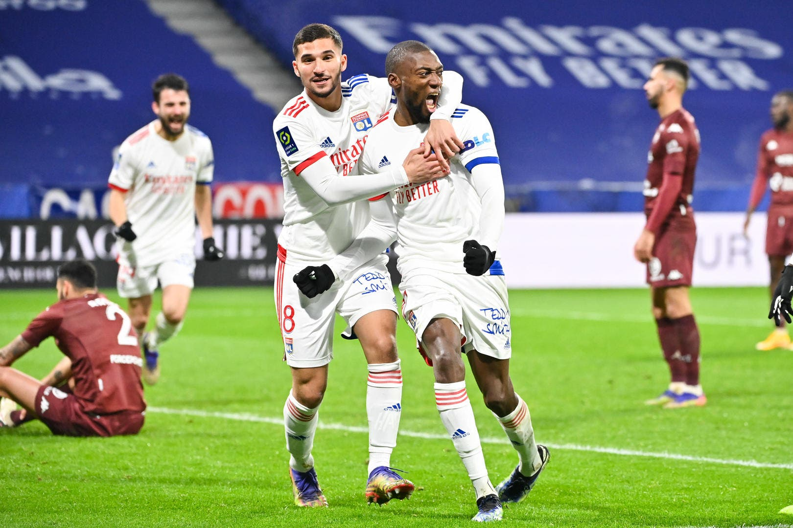 OL : Pierre Ménès dénonce l'embrouille du but refusé à Lyon