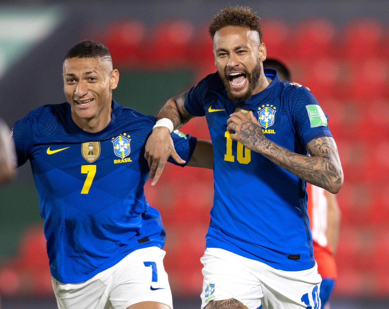 Neymar diffuse une photo privée, le Brésil rigole