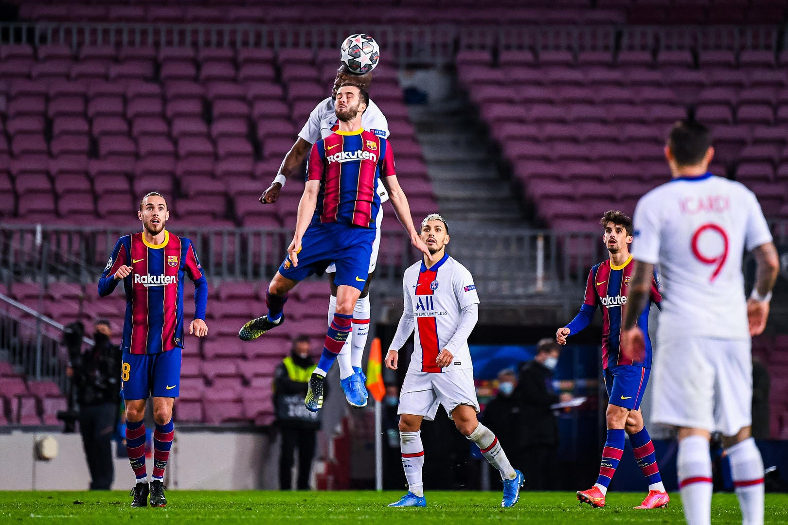 Esp : Barcelone remercie le PSG, tout a changé ! - Foot01.com