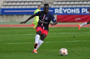 Officiel : Le PSG fait signer Augustin jusqu'en 2018