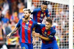Une bouteille d'eau plonge le Barça dans un conflit surréaliste