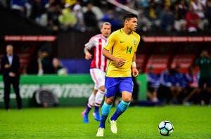 Le Brésil déroule, Thiago Silva buteur