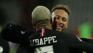 PSG : Entre Mbappé et Neymar, le coeur de Pelé balance