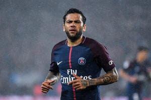 PSG : Dani Alves chuchote une idée à l'oreille de Nasser Al-Khelaifi