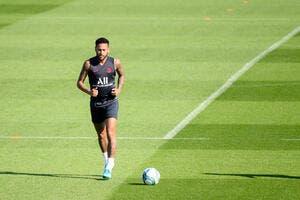 PSG : Neymar s'entraîne avec le Paris SG