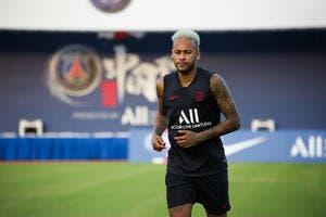 PSG : Neymar convaincu de rester à Paris, il part rejoindre le Brésil