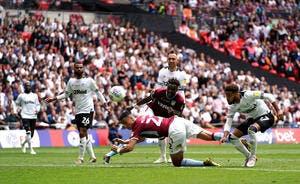 Ang : Aston Villa gagne le match à 190ME et monte en Premier League !