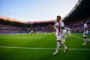 PSG: Neymar brise le silence et répond aux supporters