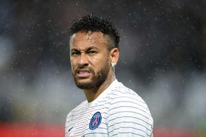 PSG: Neymar en retard à l'entrainement, la police le retient