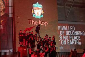 Ang : Des supporters trop fêtards, Liverpool privé d'Anfield ?