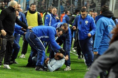 Photos de foot photo incidents en cascade au v lodrome pendant le match om europa league - Match coupe d europe foot ...