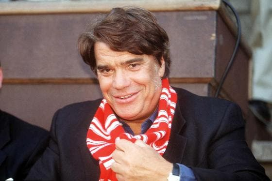 Tapie sort son lance-flammes