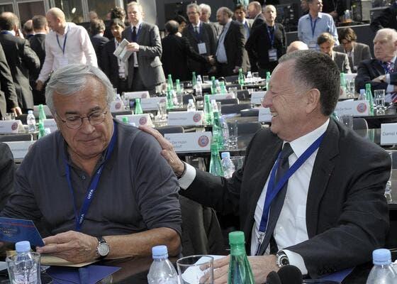 [UEFA] Michel Platini le président - Page 2 Photo-dassier-et-aulas-on-rigole-bien-a-l-uefa_69038_17071