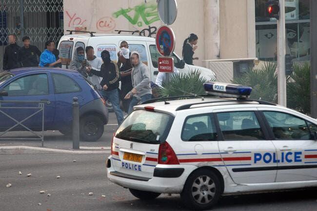 Le bus de l'ASSE caillaissé à Marseille