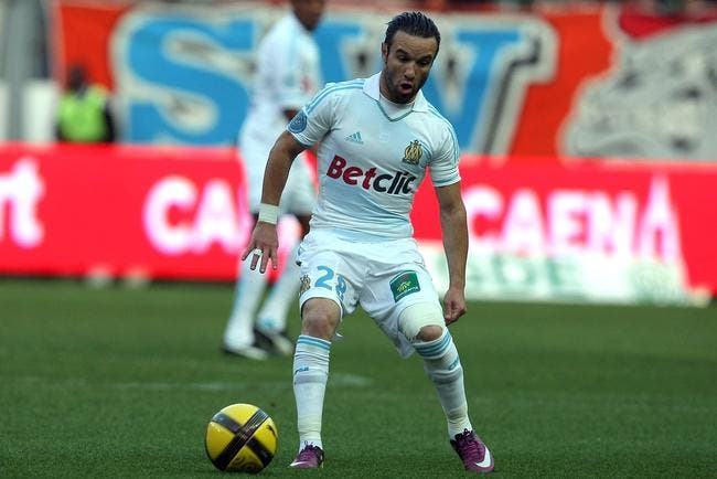 Le Petit - (Valbuena) - Page 3 Direction-arsenal-pour-valbuena-iconsport_vmi_290511_08_29,20270