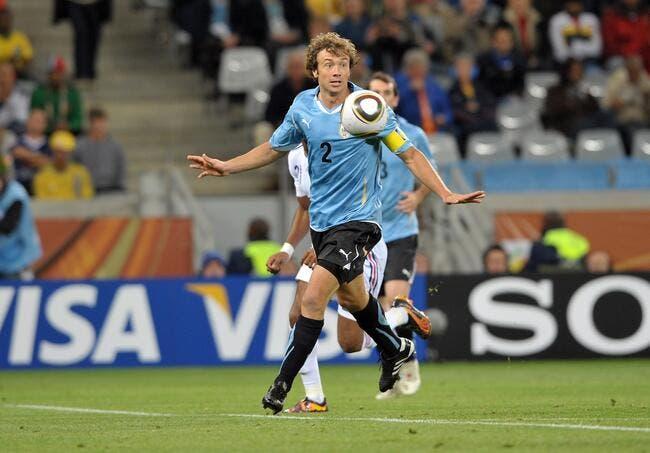 Lugano flamboyant avec le PSG, double buteur avec l'Uruguay