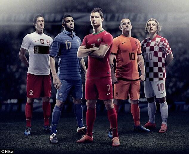 Cinq nouveaux maillots pour l'Euro dévoilés