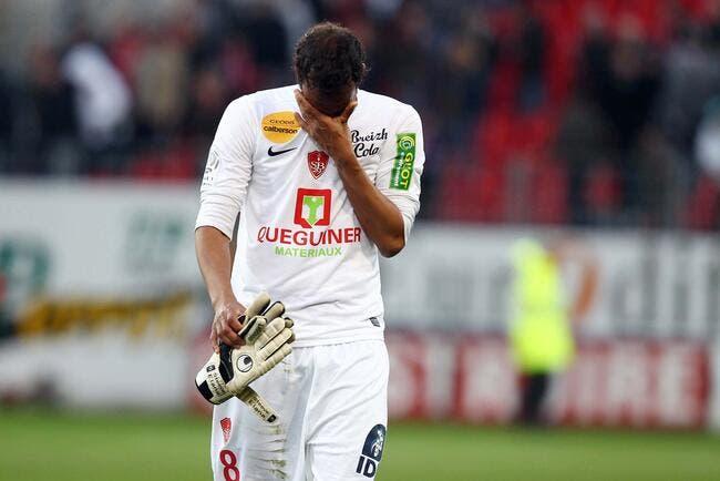 Rongé par la honte, Brest n'oublie pas Alex Dupont