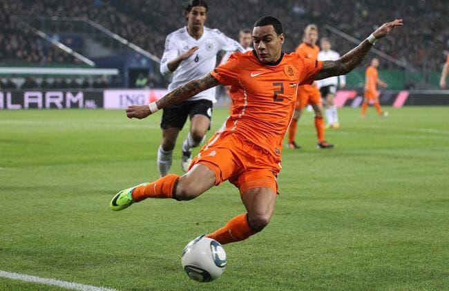 Le PSG proche d'engager Van der Wiel pour 5ME