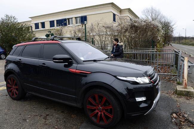 Un Pastore « heureux » s'énerve avec sa voiture au Camp des Loges