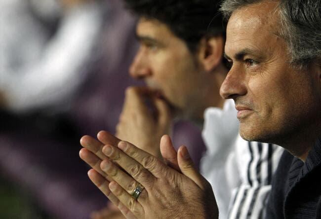 Mourinho « ne pense pas entraîner le PSG »