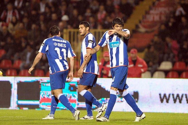 Vidéo : Lucho marque un but magique pour son retour à Porto