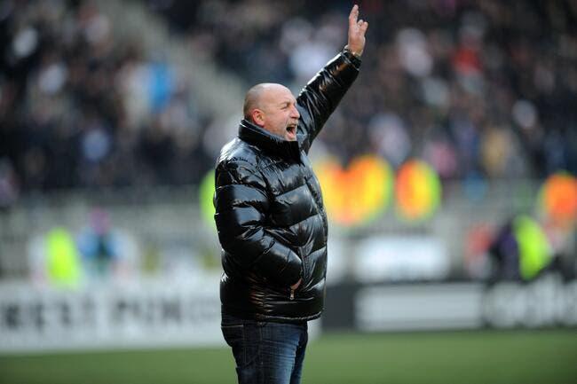 Franck Dumas présente ses excuses à l'arbitre de Nice-Caen
