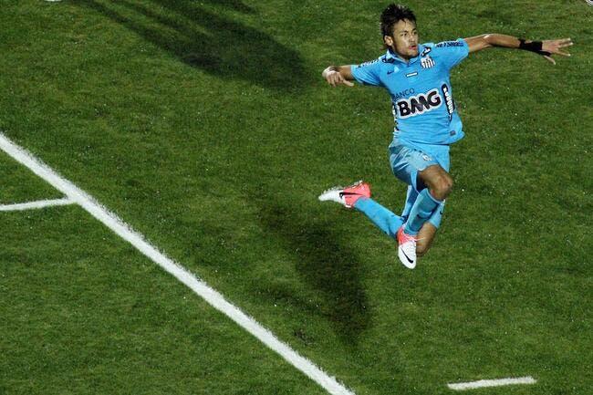Barcelone aurait mis une option sur Neymar