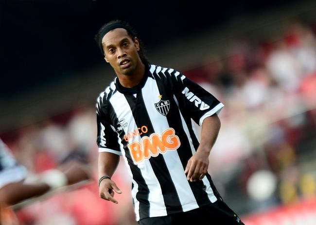 Vidéo : Ronaldinho a encore de la magie en lui