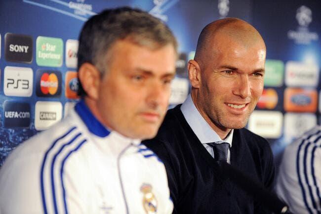 Zidane quitte son poste au Real pour devenir entraîneur !