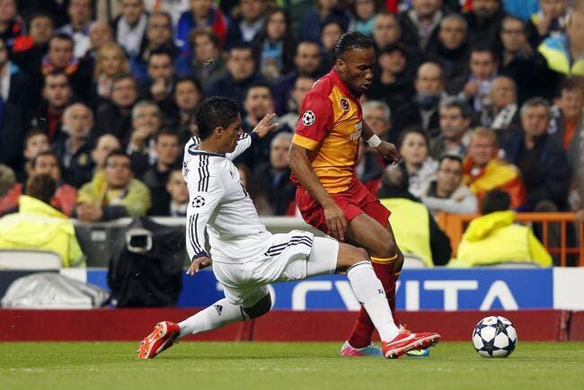Varane approche la perfection et bluffe Drogba
