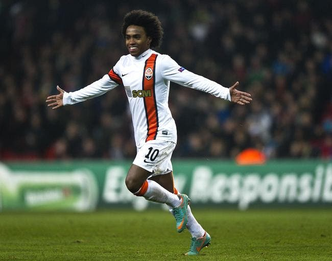 Officiel : Anzhi met 35 ME pour recruter Willian