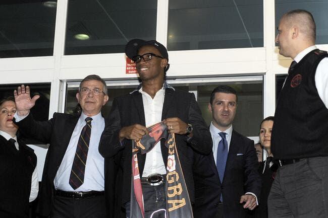 Vidéo : Didier Drogba arrive en rock-star à Galatasaray