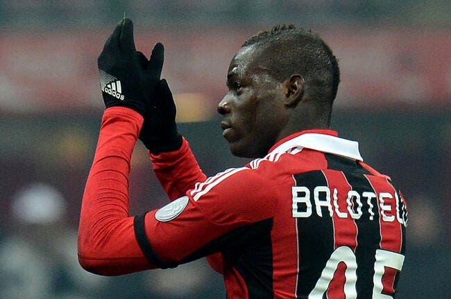 Vidéo : Balotelli c'est pas le Harlem Shake, mais presque pendant Milan-Barça