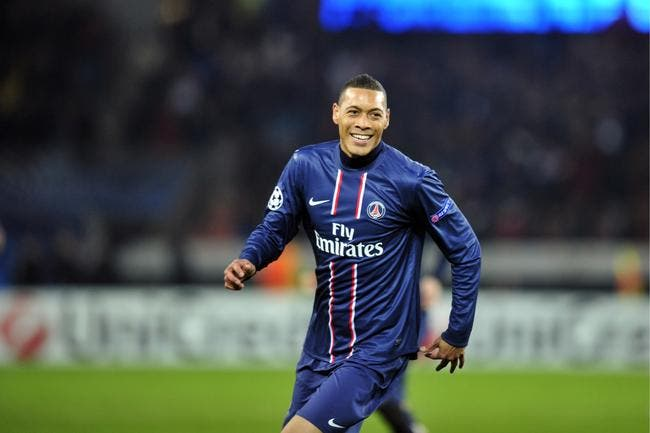 foot psg hoarau crit une dr le de lettre d 39 adieu aux supporters du psg mercato ligue 1. Black Bedroom Furniture Sets. Home Design Ideas