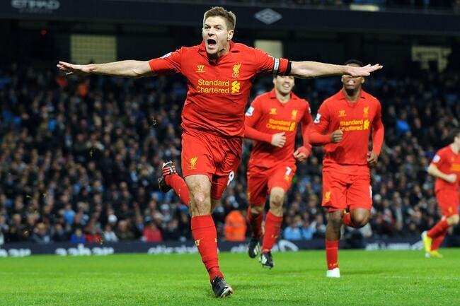 Steven Gerrard signe à vie avec Liverpool !