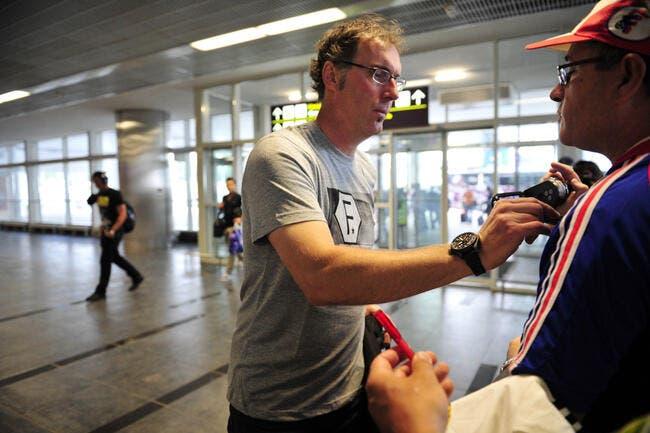 Laurent Blanc débarque à Paris avant d'embarquer au PSG