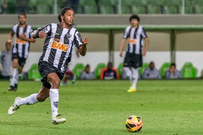Ronaldinho drague encore et toujours le PSG
