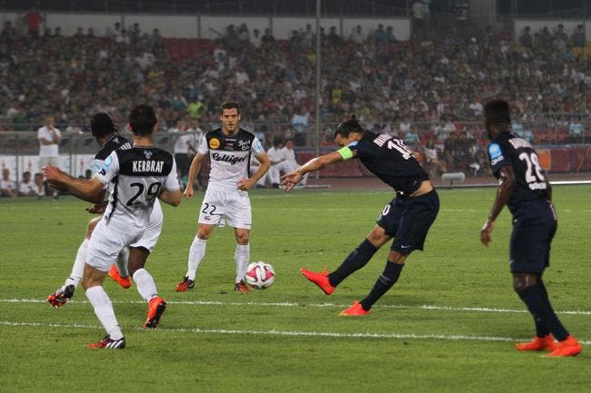 Ibrahimovic offre un 4e Trophée des champions au PSG
