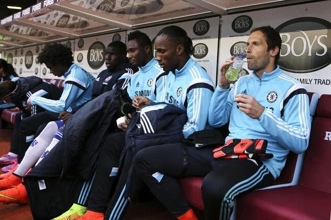 Mourinho veut garder Cech sur le banc de Chelsea