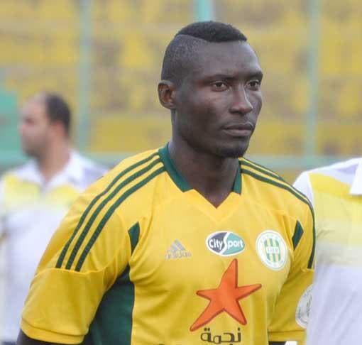 Albert Ebossé tué par un supporter en plein match en Algérie !